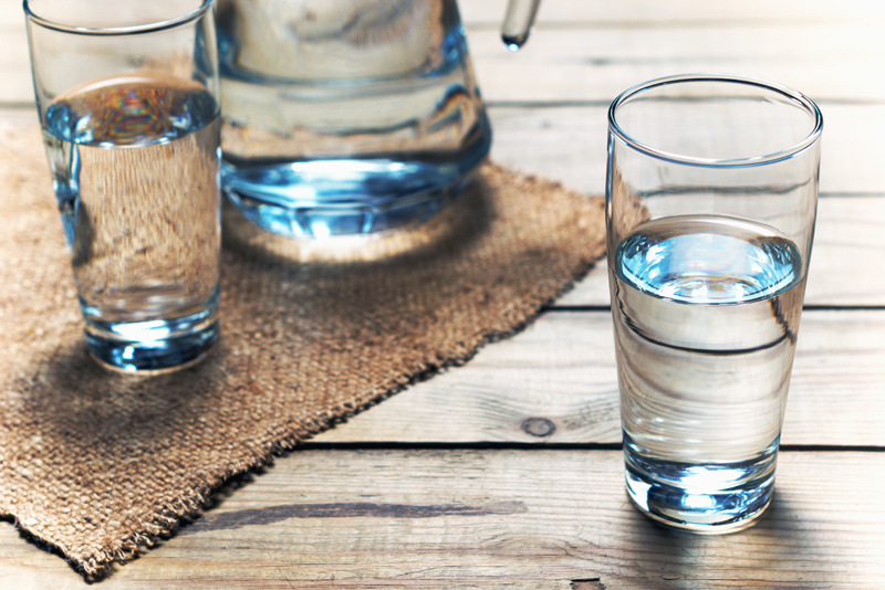 lose-holiday-weight-water