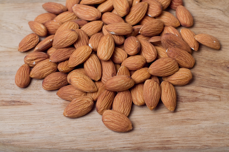 food-for-your-daily-diet-almonds