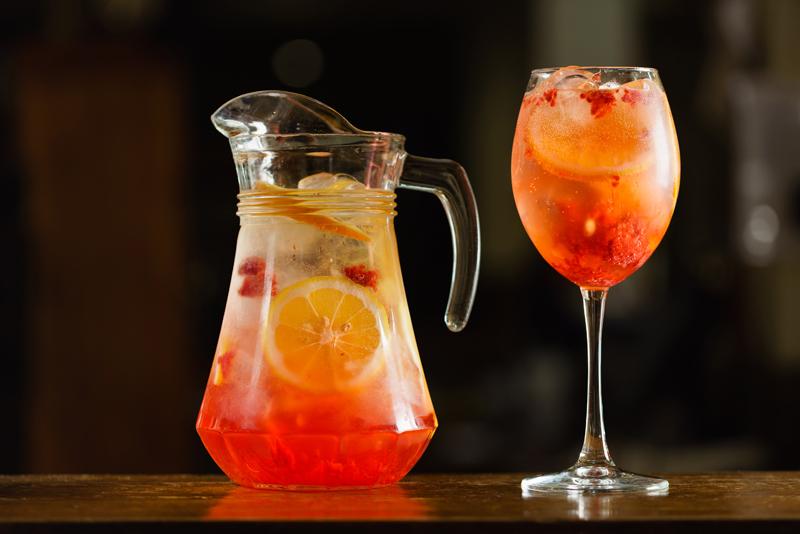 healthy-summer-coolers-turmeric-lemonade