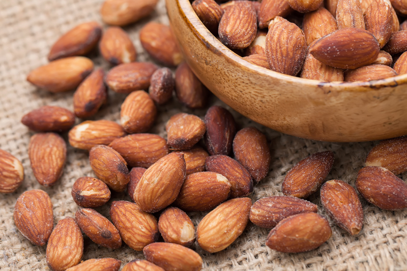 energy-boosting-foods-almonds