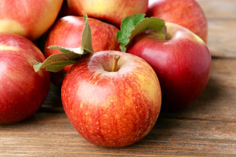 energy-boosting-foods-apple
