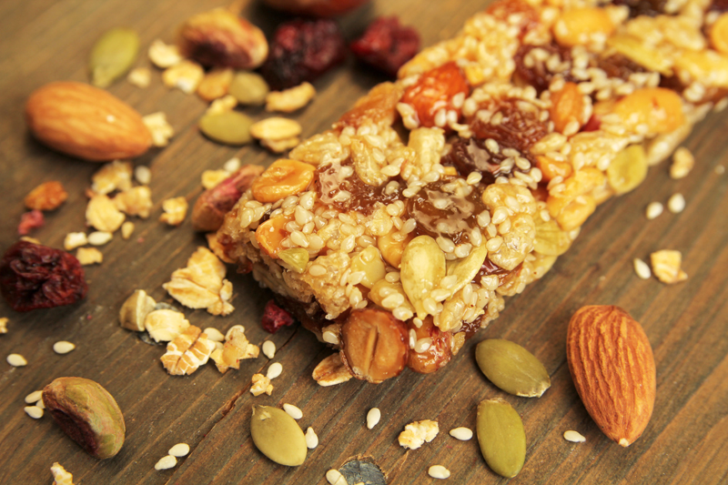 healthy-snacks-for-kids-almond-granola-bars