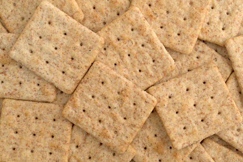 healthy-snacks-for-kids-whole-wheat-crackers
