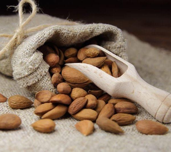 Almonds-for-Healthy-Skin_header (1)-2-abchi