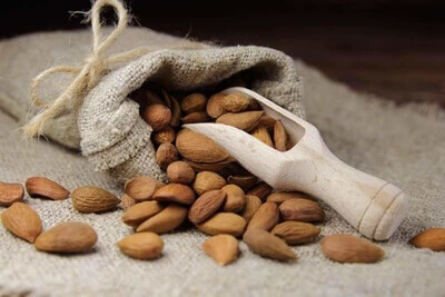 Almonds-for-Healthy-Skin_header (1)-2-abchi