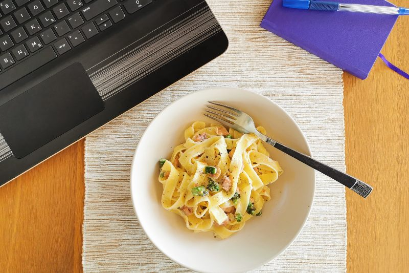 Have Lunch On Video Call - Activ Living